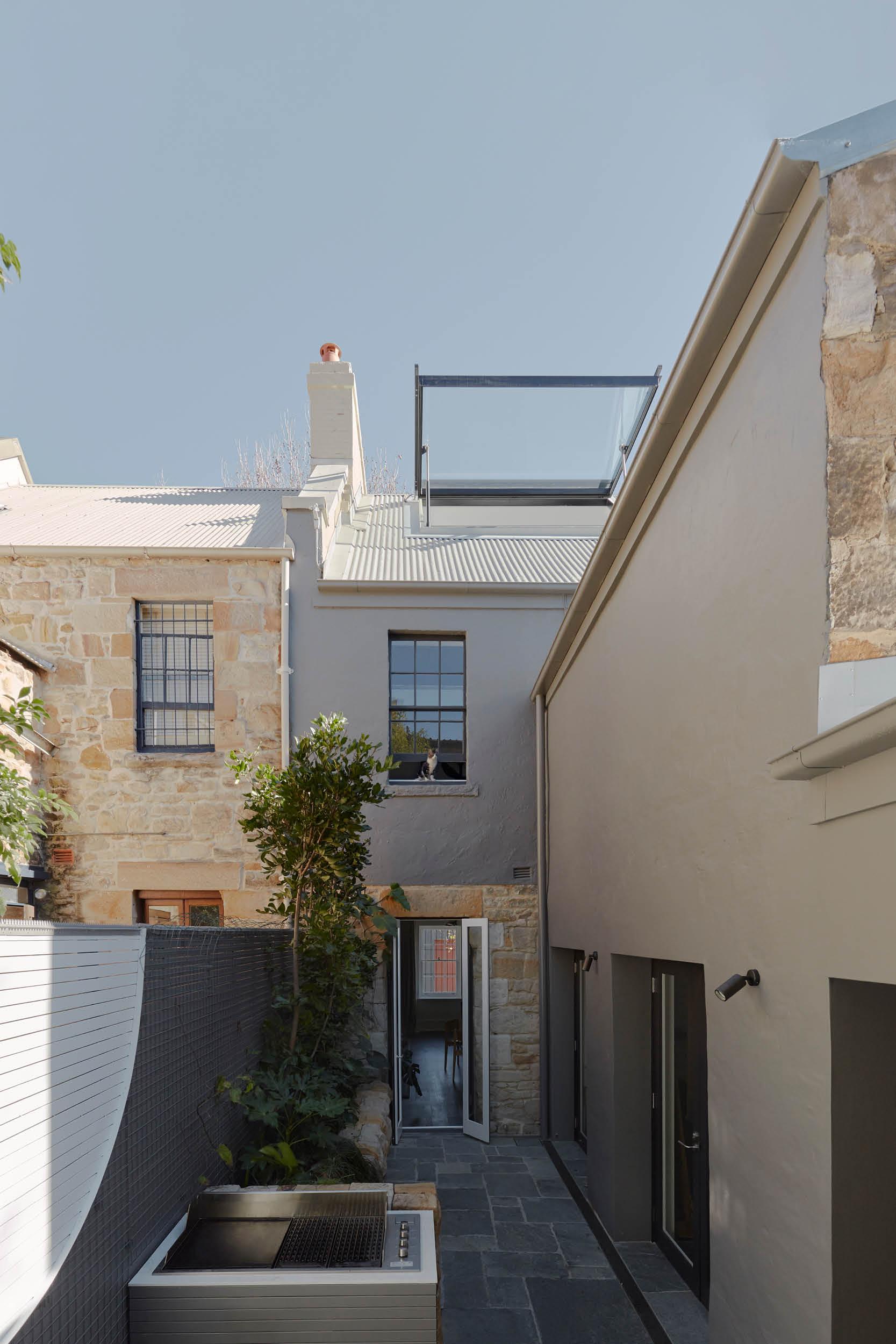 Terrace-ventilation-skylight-darlinghurst-Heritage-residential-home-custom-designed-skylight-increase-natural-light featured houses awards